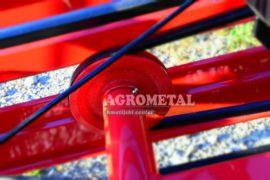 Agrometal_traktorski_tracni_obracalnik_molon_3